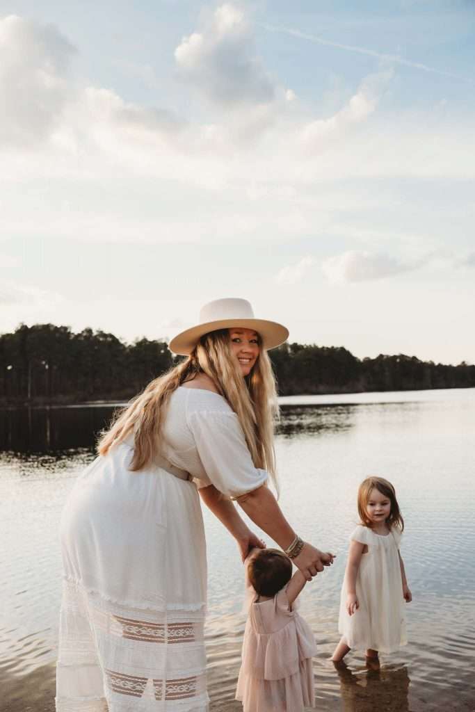 Nicki Odom and her daughters Mother's Day Family Photoshoot