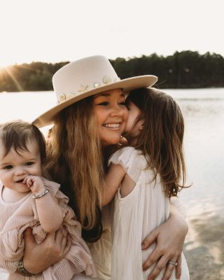 A new blog post is live on TheBohoDiaries.com! I've broken down my top 5 recommendations for Mother's Day gifts to give that special lady this year. Huge inspiration for this post goes to the extremely talented @kristin.mariephotography who captured these absolute precious images of me and my girls and I'm so grateful for her!💓 Head to her page to see her creativity and see more on my blog post! Click the link in my profile to read it and Pin it for later!   #mothersdaygiftideas #mothersdaygifts #mothersday2021 #momsday #familyphotoshoot #momblogger #mothersdayphotoshoot #northcarolinablogger #ncblogger #goldenhourphotography #fayettevillephotographer #giftsformom #newblogpost #curvyblogger