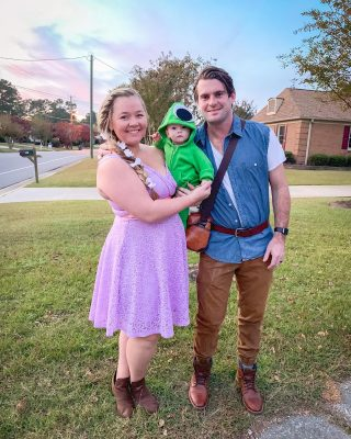✨NEW BLOG POST ALERT✨ Who has their costumes picked out already?! Tell me in the comments what you're planning on being this year! Head to the blog and see easy family Halloween costume ideas! I've rounded up outs for the past 3 years and at the bottom of the post I reveal what the Odoms will be doing this year.  https://thebohodiaries.com/easy-family-halloween-costume-ideas/  Swipe to see our costumes from last year and head to the blog to read all about our 3 years of family costumes!   #familycostumes #halloweencostumeideas #halloweencostumes #disneycostumes #disneyhalloween #halloweenfamilycostume #costumeinspiration #northcarolinablogger #familyblog #familyof3 #familyof4 #girlmom #tangled #theflintstones #thelittlemermaid #babygirlstyle